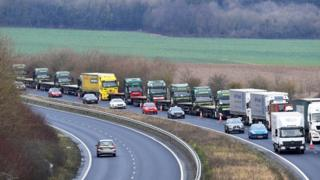 Brexit letter warns of 7,000-truck queues in Kent