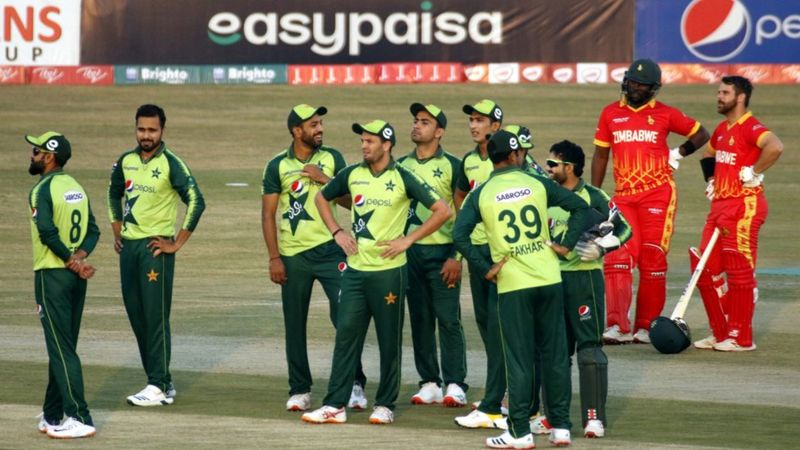 Covid: Pakistan cricket squad quarantined after positive tests in New Zealand