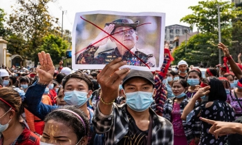 Myanmar in the face of international sanctions
